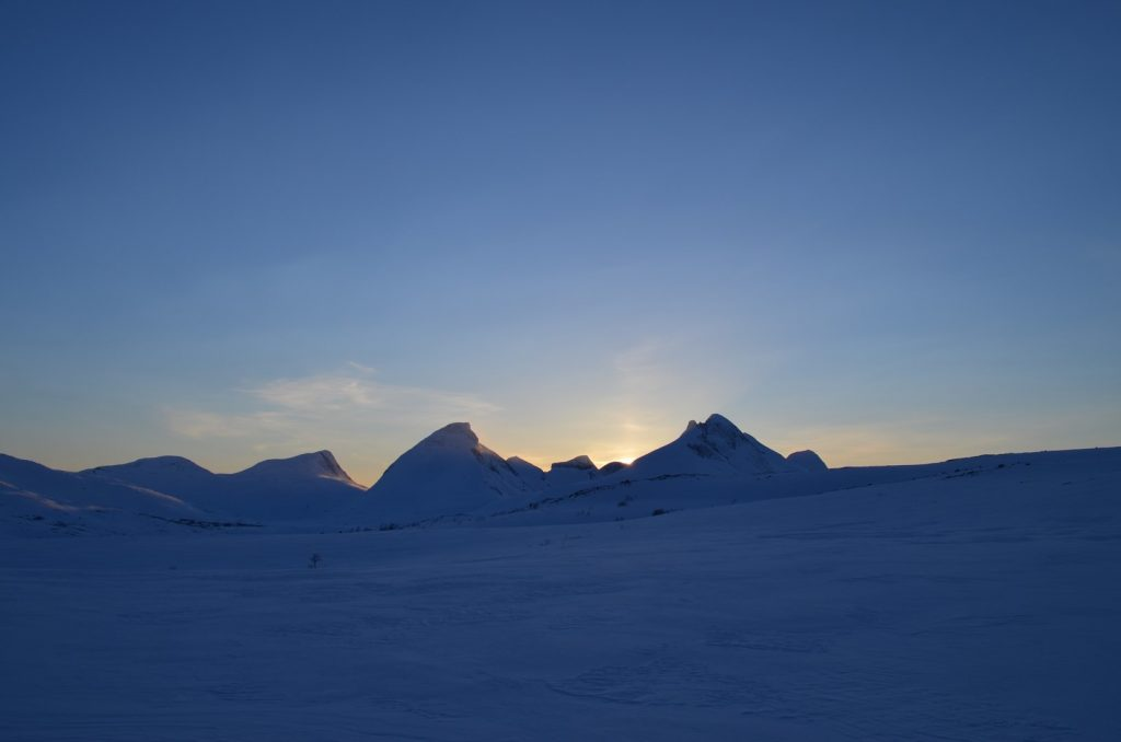 6. zapad slnka nad Borvasstindan (Kopírovat)