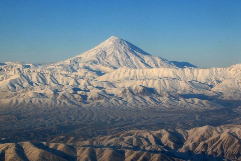Na nejvyšší horu Íránu s Norskou módou 3
